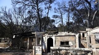 Αχαΐα: Σε ύφεση η μεγάλη φωτιά - Επιχειρεί ισχυρή δύναμη σε διάσπαρτες εστίες