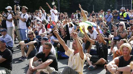 Κορωνοϊός - Γερμανία: Επεισόδια στο Βερολίνο σε διαδήλωση κατά των περιοριστικών μέτρων