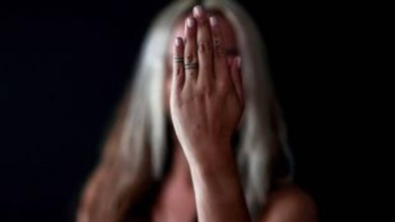 Δεκατέσσερις συλλήψεις και 30 καταγγελίες για ενδοοικογενειακή βία το τελευταίο 24ωρο