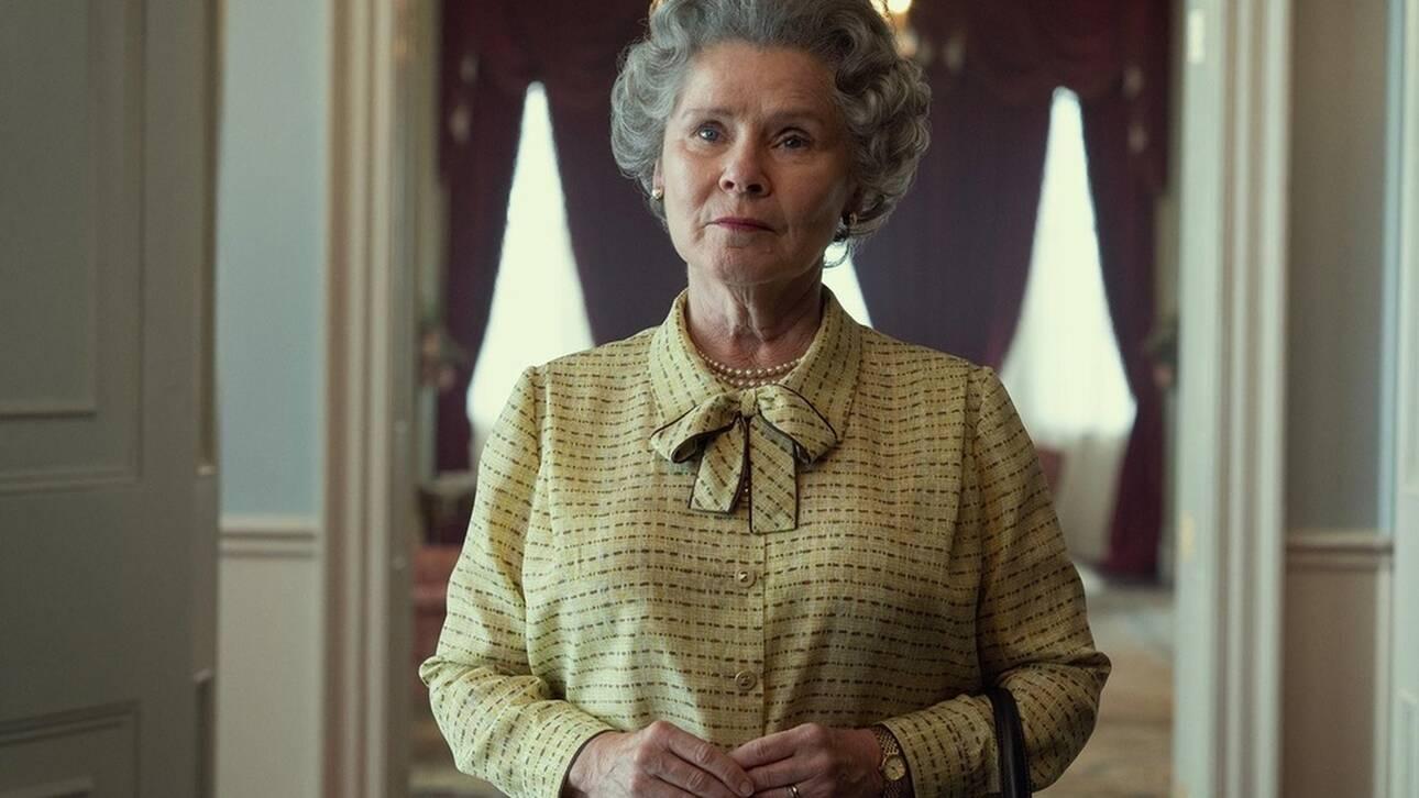 «The Crown»: Η Ιμέλντα Σνόντον είναι η βασίλισσα Ελισάβετ στον 5ο κύκλο της σειράς