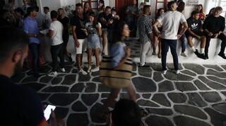 Αποκλειστικό: Έκλεψαν στη μέση του δρόμου ρολόι αξίας 200.000 ευρώ από αμερικανό τουρίστα στη Μύκονο