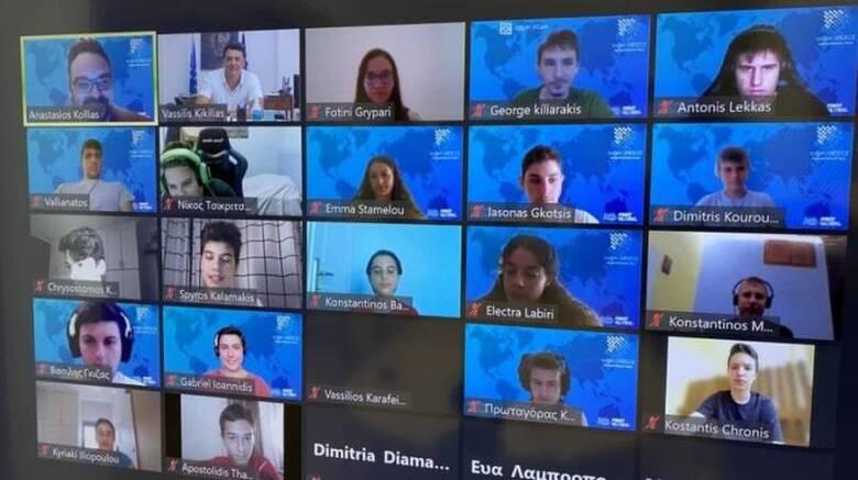 Τηλεδιάσκεψη του Βασίλη Κικίλια με την Ελληνική Εθνική Ομάδας Ρομποτικής