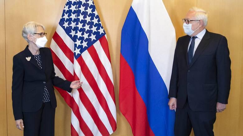 Οι ΗΠΑ ζήτησαν από 24 Ρώσους διπλωμάτες να φύγουν από τη χώρα σύμφωνα με τη Ρωσία