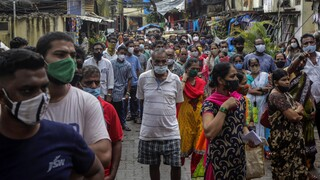 Ινδία: 422 θάνατοι εξαιτίας της COVID-19, πάνω από 30.500 κρούσματα