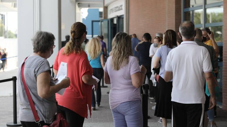Λουκίδης: Από τον Οκτώβριο η τρίτη δόση - Το 15% που έχουν κάνει το εμβόλιο νοσηλεύονται