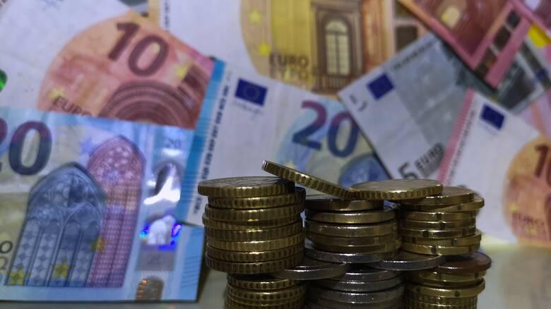 Κορωνοϊός: Μεταδίδεται τελικά μέσω των χαρτονομισμάτων και των κερμάτων;