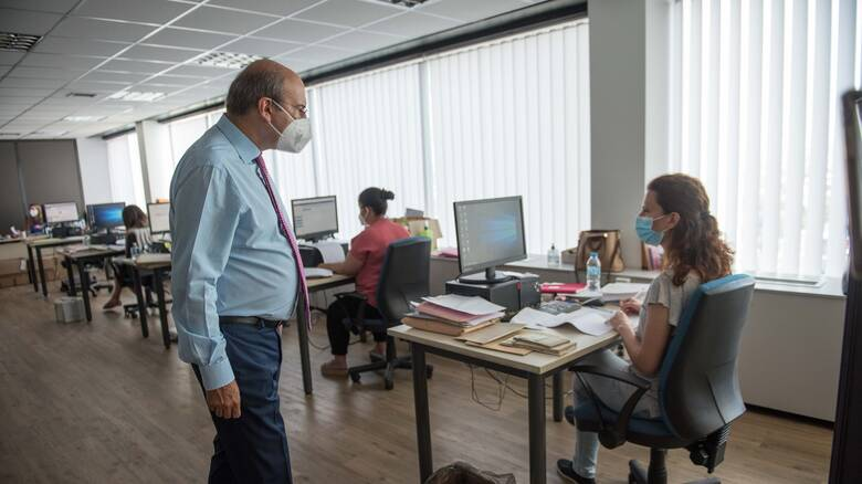 e-EΦΚΑ: Ο Χατζηδάκης στη νέα δομή ταχείας απονομής συντάξεων