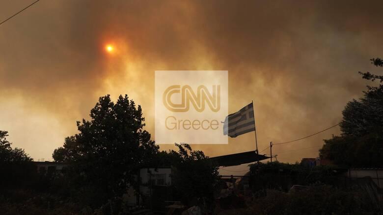 Φωτιά Βαρυμπόμπη - Χαρδαλιάς: Με έξοδα του κράτους η διανυκτέρευση πολιτών σε ξενοδοχεία