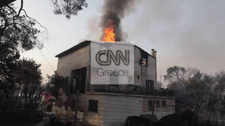 Φωτιά στην Βαρυμπόμπη: Η Κύπρος στέλνει πυροσβέστες και οχήματα στην Ελλάδα