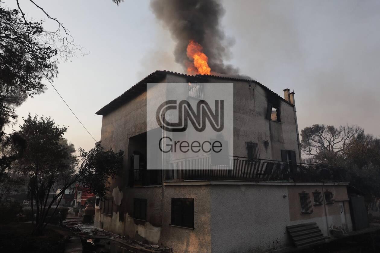 https://cdn.cnngreece.gr/media/news/2021/08/04/276710/photos/snapshot/fotia-attiki-11.jpg