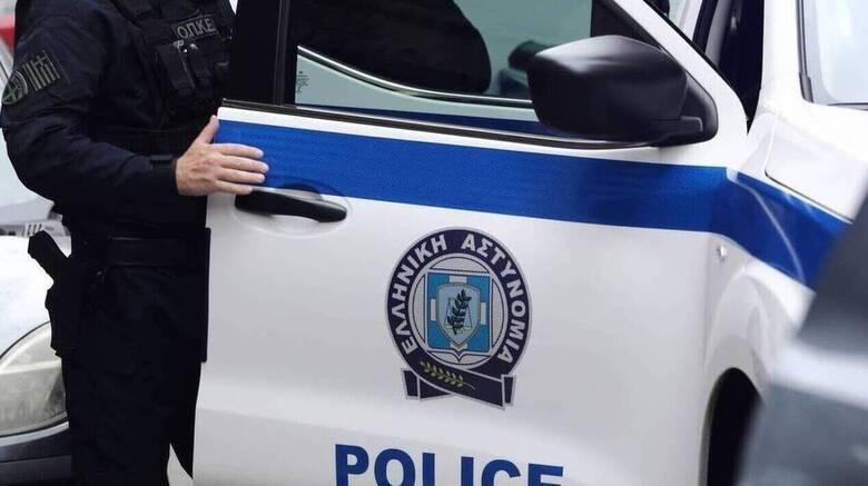 Λαμία: Καταστηματάρχης βρήκε νεκρό άντρα έξω από το μαγαζί του