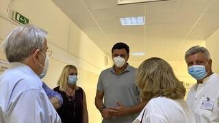 Επίσκεψη Κικίλια στο Σισμανόγλειο: 75 άτομα νοσηλεύονται με αναπνευστικά προβλήματα