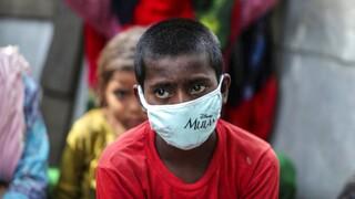 Ινδία- Κορωνοϊός: Ακόμη 533 θάνατοι και 43.000 κρούσματα καταγράφηκαν στη χώρα