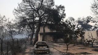 Φωτιά Βαρυμπόμπη: Κινδύνεψε το σπίτι του Κώστα Σκρέκα