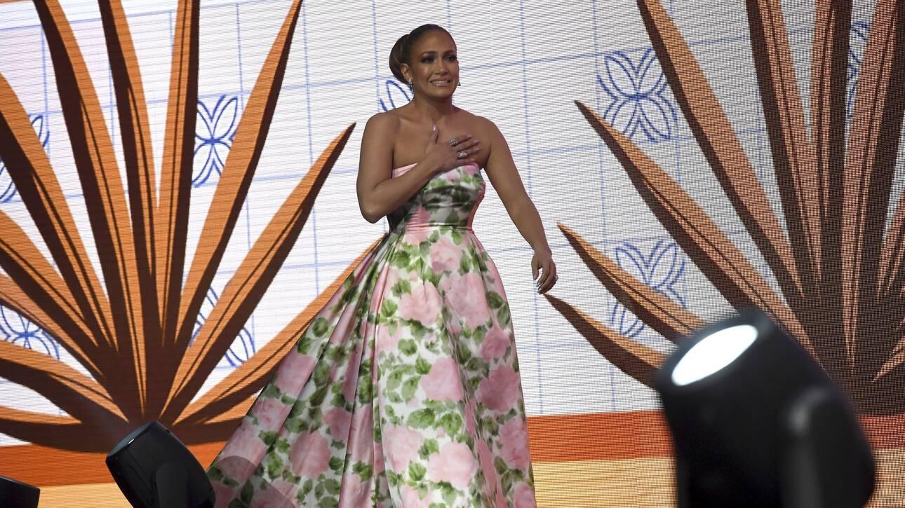 Τζενιφερ και Τζένιφερ: Η Άνιστον θεωρεί την Λόπεζ «πανέμορφη και μοναδική»