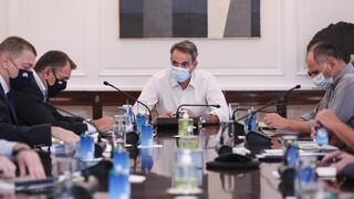 Μαξίμου: Πιο ενεργή συνδρομή του στρατού στις φωτιές - Στην Ηλεία μεταβαίνει ο Πρωθυπουργός
