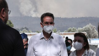 Ενημέρωση Μητσοτάκη για τα πύρινα μέτωπα της χώρας - Ανεξέλεγκτη η φωτιά σε Δροσοπηγή και Κρυονέρι