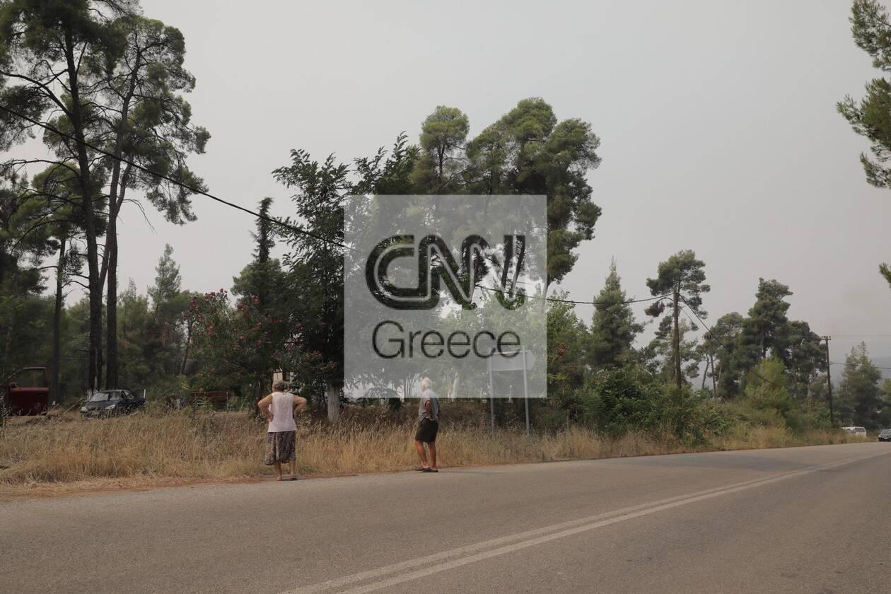 https://cdn.cnngreece.gr/media/news/2021/08/05/276930/photos/snapshot/fotia-kexries-5.jpg