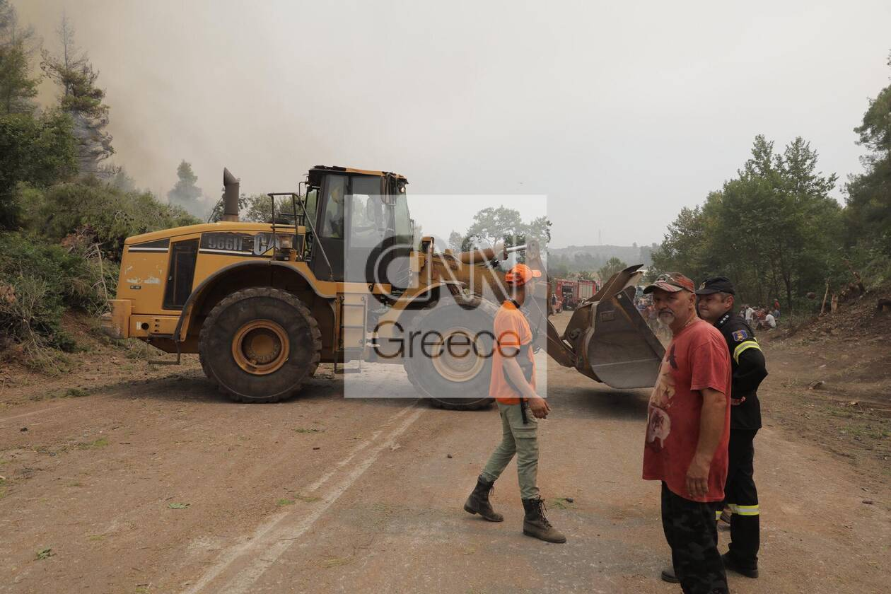 https://cdn.cnngreece.gr/media/news/2021/08/05/276930/photos/snapshot/fotia-kexries-8.jpg