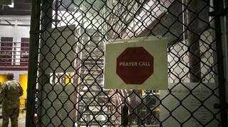 ΗΠΑ: Δημοκρατικοί αιρετοί πιέζουν τον Μπάιντεν να κλείσει τη φυλακή στο Γουαντάναμο
