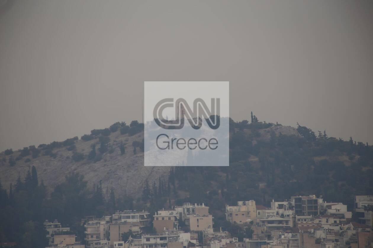 https://cdn.cnngreece.gr/media/news/2021/08/06/276963/photos/snapshot/kapnos-attiki-4.jpg