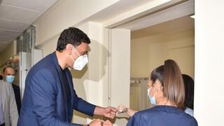 O Κικίλιας στους 4 πυροσβέστες που νοσηλεύονται στο ΚΑΤ - Προληπτική εκκένωση γηροκομείου