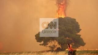 Στις φλόγες το Κρυονέρι - Εκκενώνονται Καπανδρίτι και Μαλακάσα - Εκρήξεις σε εργοστάσιο