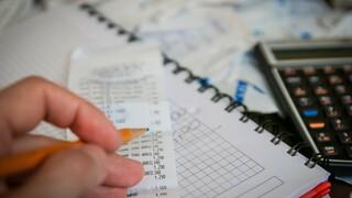 Κατώτατος μισθός: Πώς διαμορφώνεται ανάλογα με τα έτη προϋπηρεσίας - Αναλυτικοί πίνακες