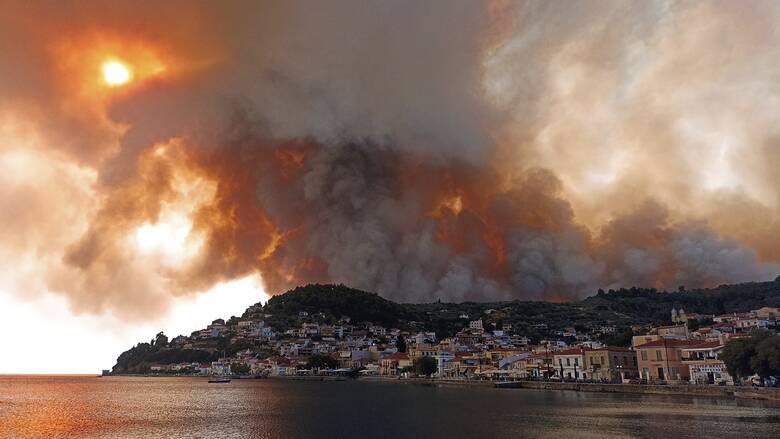 Φωτιές Εύβοια: Ανεξέλεγκτα μέτωπα και αναζωπυρώσεις παντού - Απειλούνται δεκάδες οικισμοί