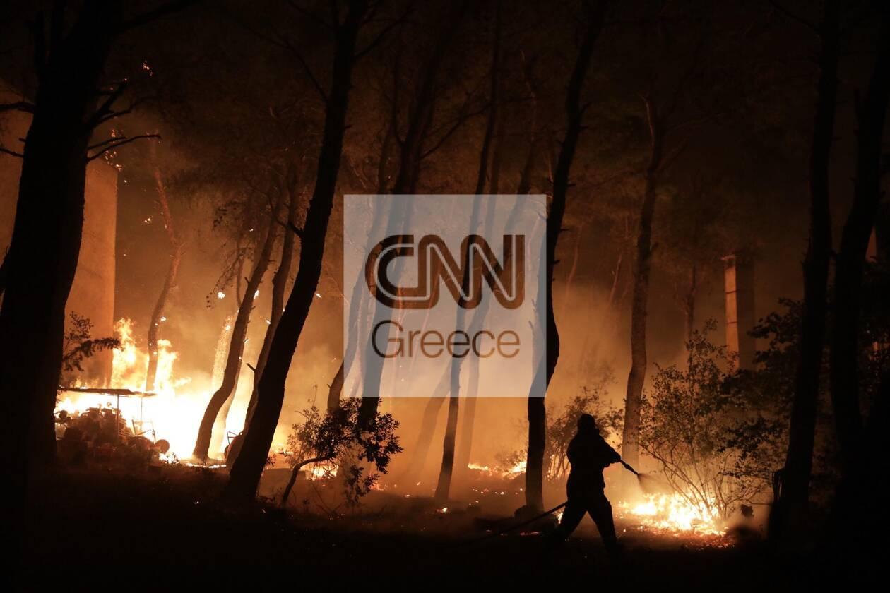 https://cdn.cnngreece.gr/media/news/2021/08/07/277114/photos/snapshot/fotia-2.jpg