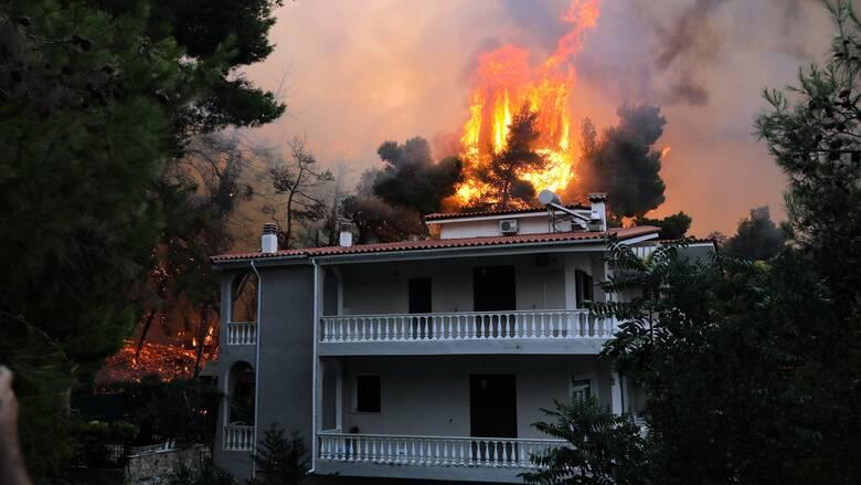 Προκαταρκτική έρευνα για τη δικηγόρο που «προσευχόταν» να καεί η Εκάλη και το Καστρί