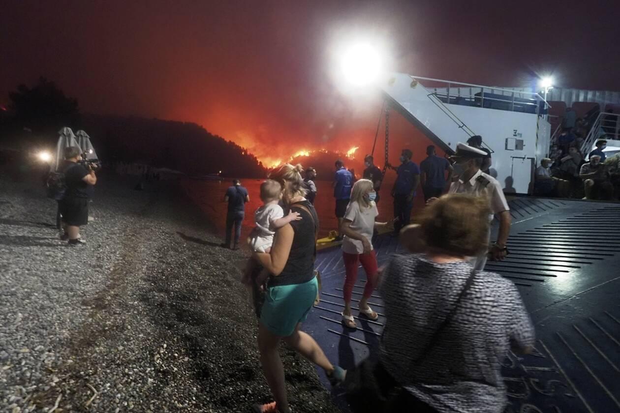 https://cdn.cnngreece.gr/media/news/2021/08/07/277141/photos/snapshot/evia-limni-4.jpg