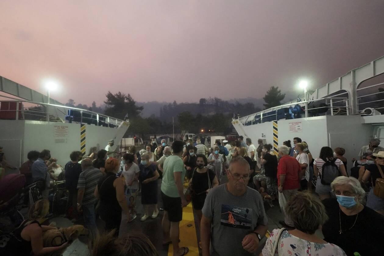 https://cdn.cnngreece.gr/media/news/2021/08/07/277141/photos/snapshot/evia-limni-6.jpg