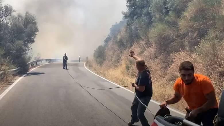 Ηράκλειο: Φωτιά σε εξέλιξη στον Άγιο Θωμά Γόρτυνας
