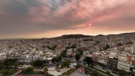 Φωτιές: «Ασφυξία» λόγω της ατμοσφαιρικής ρύπανσης στην Αττική
