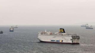 Προσέκρουσε στο λιμάνι της Ανάφης το «Πρέβελης» - μεταφέρει 395 επιβάτες
