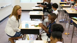 Κορωνοϊός - ΗΠΑ: Υπέρ του υποχρεωτικού εμβολιασμού τους τώρα οι δάσκαλοι