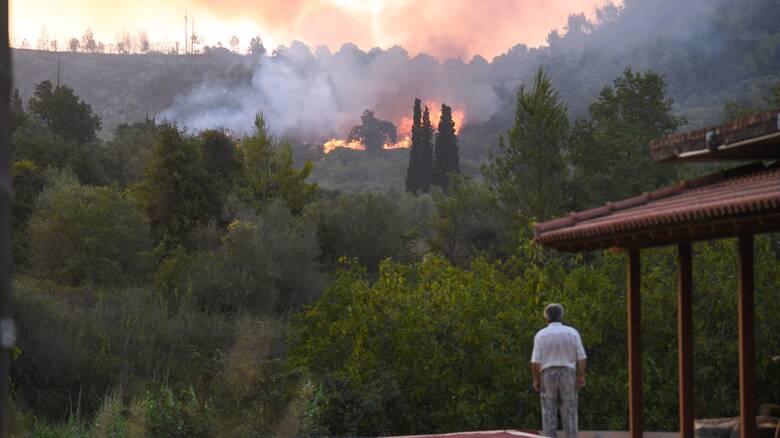 Φωτιές - Ηλεία: Χωρίς τέλος οι αναζωπυρώσεις - Σε κατάσταση έκτακτης ανάγκης τέσσερις δήμοι