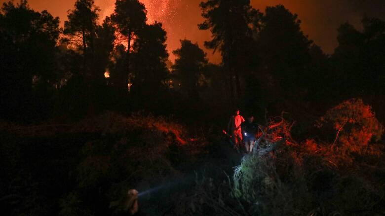 Φωτιές Πελοπόννησος: Μαίνεται το μέτωπο σε Μεγαλόπολη, Ανατ. Μάνη και Μεσσηνία