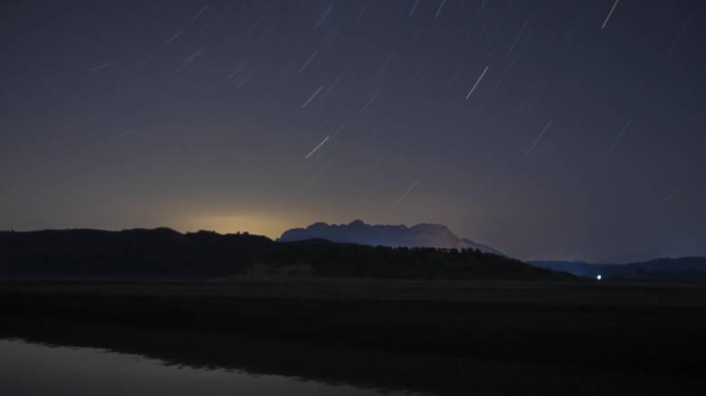 Με το βλέμμα στον ουρανό - Απόψε και αύριο η καλοκαιρινή βροχή από «πεφταστέρια»