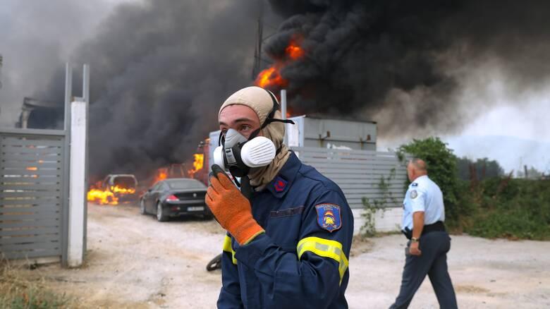Χανιά: Φαρμακευτικά είδη στην Πυροσβεστική Υπηρεσία προσέφεραν οι φαρμακοποιοί