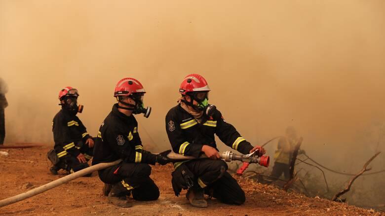 Φωτιές - Πελοπόννησος: Αναζωπυρώσεις σε Ηλεία και Γορτυνία - Απειλούνται Λάλα και Λιβαδάκι