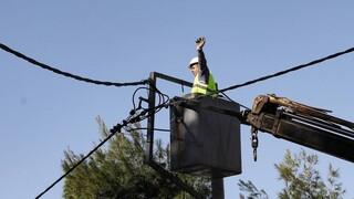 Πυρκαγιές - ΔΕΔΔΗΕ: Η πορεία επιδιόρθωσης των ζημιών στο δίκτυο ηλεκτρικής ενέργειας
