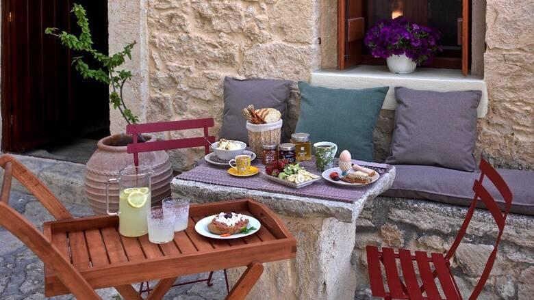 Συνδυάζοντας την οινογευσία με την αυθεντική κρητική φιλοξενία στο Scalani Hills Residences