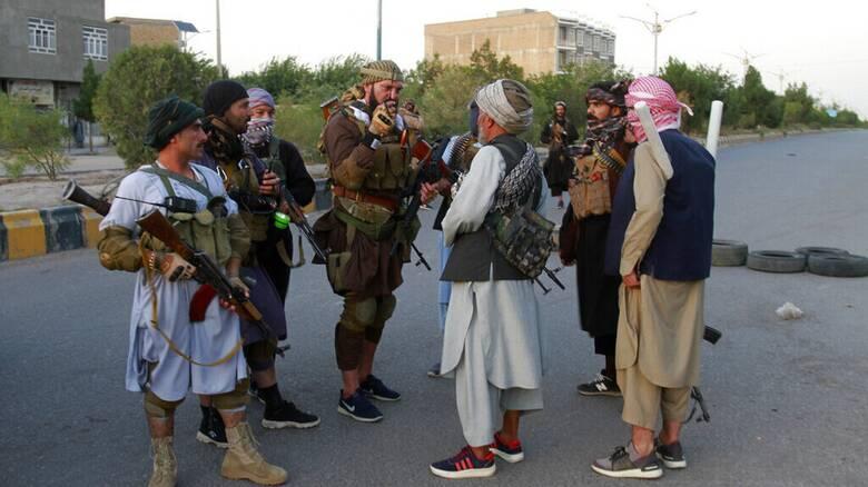 Αφγανιστάν: Προέλαση των Ταλιμπάν με σκληρές μάχες