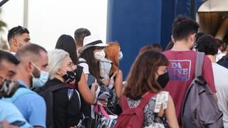 Έξοδος Δεκαπενταύγουστου: «Πλημμύρισαν» από ταξιδιώτες λιμάνια, αεροδρόμια και εθνικές οδοί