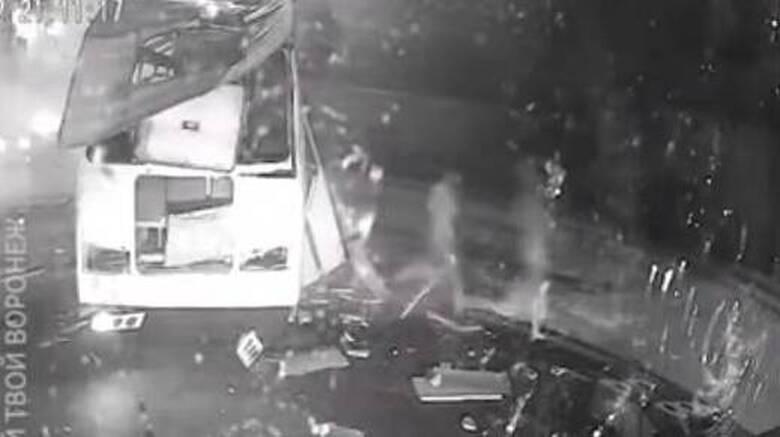 Ρωσία: Έκρηξη λεωφορείου με 35 επιβάτες - Μία νεκρή και 18 τραυματίες