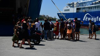 Αναχωρούν από την Αθήνα και οι τελευταίοι: Κορυφώνεται σήμερα η έξοδος του Δεκαπενταύγουστου