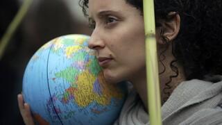 Morgan Stanley: Η κλιματική αλλαγή μειώνει την επιθυμία για παιδιά