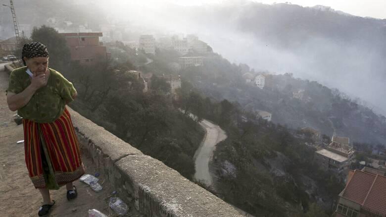 Αλγερία: Φονικές πυρκαγιές με 90 νεκρούς - 100 εστίες σε μία ημέρα